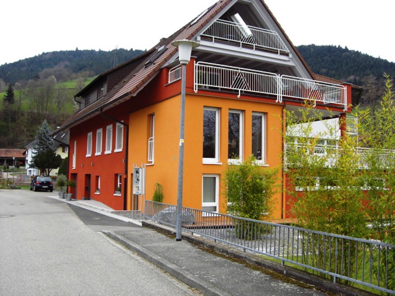 wohnhaus_gelb